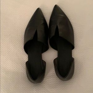 Vince Black Pointed toe flats.